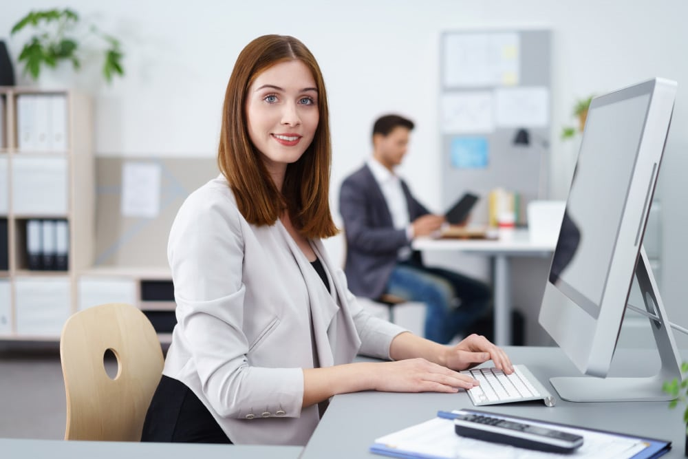 Stilig-tjej-dator